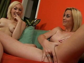 Hot show from sexy mom and her blonde daughter